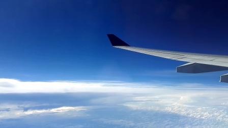 单骑老兵旅游视频:飞机上看云海。