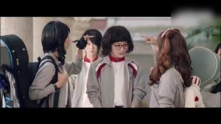 王冉导演, 徐璐、彭昱畅、刘泳希、骆明劼主演的校园电影《闪光少女》
