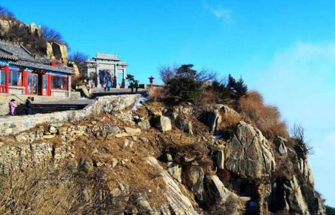去湖南张家界旅游,其山上酒店要多少钱一晚?说出来你可能都不信