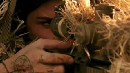 为了对付非法狩猎者,美女竟用起了重型狙击枪