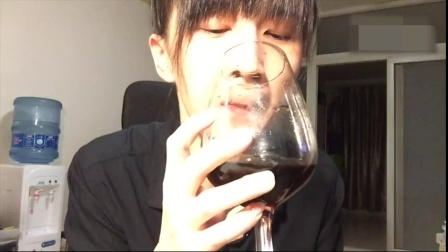 papi酱——做一个优雅の品酒woman
