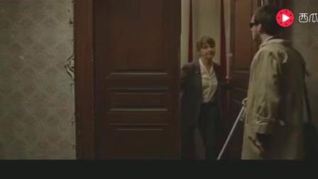 调音师假装盲人上门调音, 没想到看到了这样场景, 幸亏装成盲人!