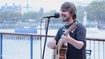 TomCruise美国影星汤姆克鲁斯街头吉他弹唱U2乐队经典ONE