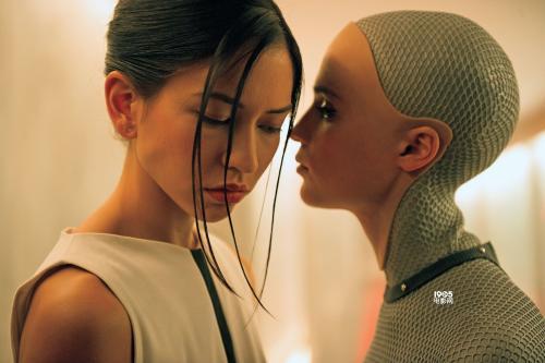 97年小鲜肉一心只爱机器人,创业被质疑年纪小,却成为打开机器人市场第一人?