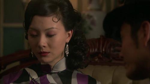 《新上海滩》-第11集精彩看点 为帮翰林脱囹圄 文强向艳芸求助