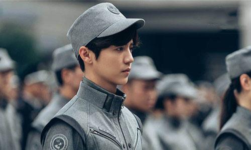 鹿晗演技遭差评,拍《上海堡垒》常通宵打游戏?