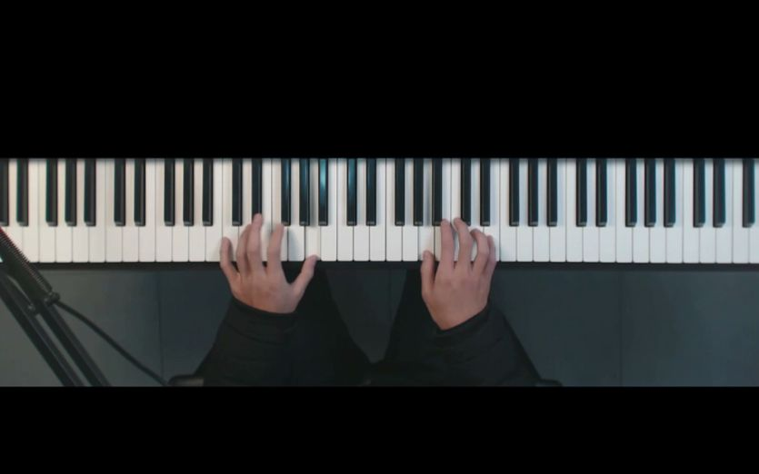钢琴教学:抖音神曲《红昭愿》,用四个和弦教你弹唱这首歌