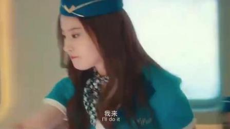 《二代妖精之今生有幸》刘亦菲为冯绍峰进夜总会,唱歌曲风独特,演绎别样人妖恋