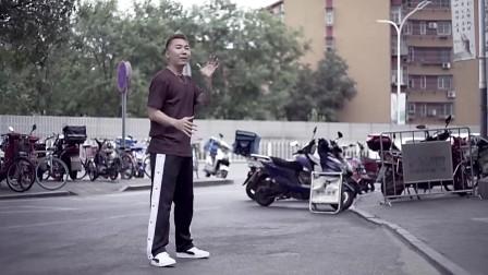 《热血街舞团》舞佳舞冯正街头玩转炫酷舞技 魅力值爆表