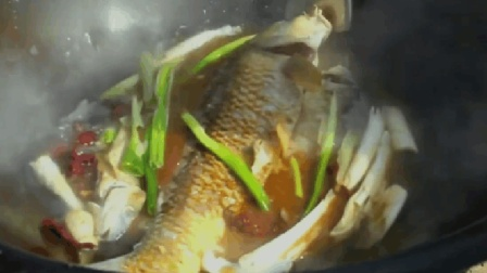 舌尖上的中国:银川人的最爱炖鲤鱼,看着就好吃,做法简单