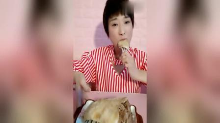 风味人间:吴小妮做清水煮羊排,肥肥的羊肉真香!