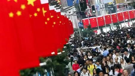 更大危机或将爆发!中国再次被全球关注,美国该如何自救?