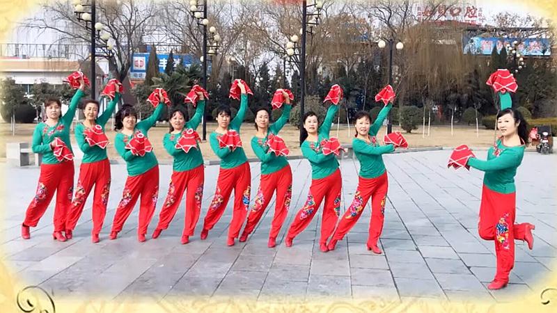 清河小镇广场舞《狗年大吉》原创迎新年手绢舞附教学