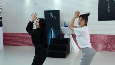 新舞林大会:吴昕练舞获众人鼓励,超高悟性引发场外尖叫!