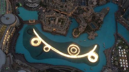 【小六的视频】迪拜音乐喷泉@哈利法塔124观景台