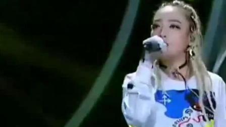 中国新说唱:VAVA说唱改编《不想长大》,现场超燃