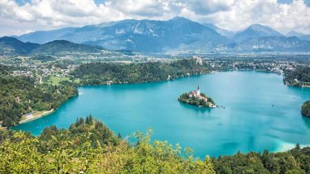全球最美湖泊之一, 有着梦幻般人间美景, 游客数不胜数!