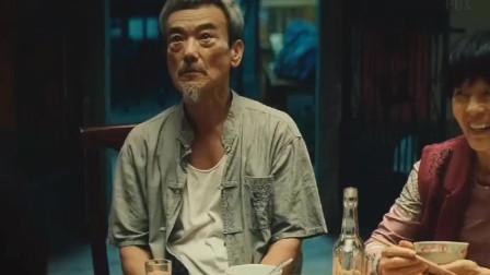 新喜剧之王:她为了当明星在父亲大寿当天扮演死尸,却不知差点把自己的父亲活活气死