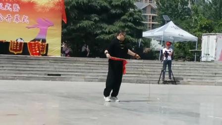 焦作麒麟鞭张金山表演