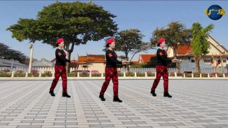 悠悠欢乐广场舞 水兵舞《祝酒歌》