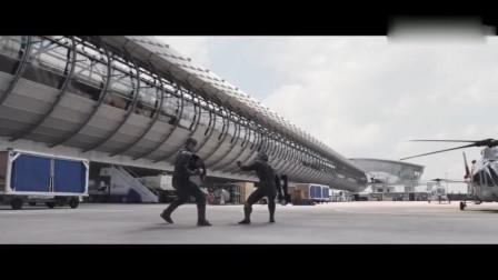 黑豹:黑豹这个空中三连踢是真帅!不愧是拥有黑豹力量的人!!
