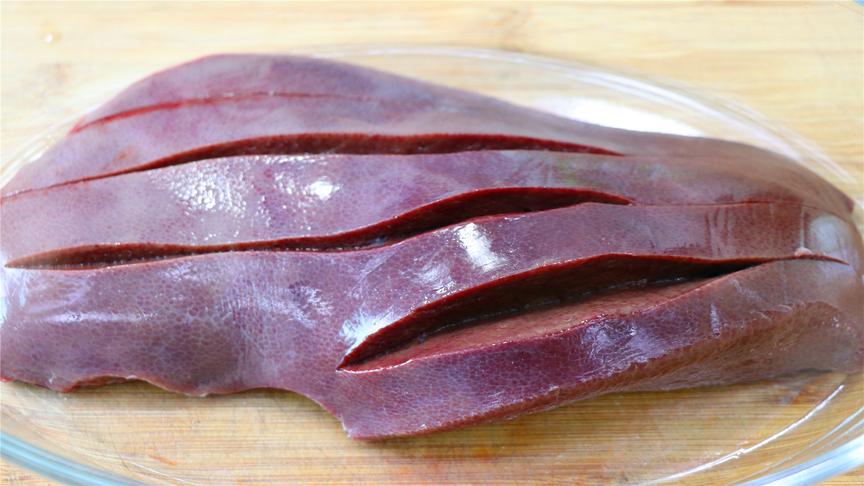 川菜师傅教你猪肝特色做法,开胃下饭做法简单,吃起来太过瘾了