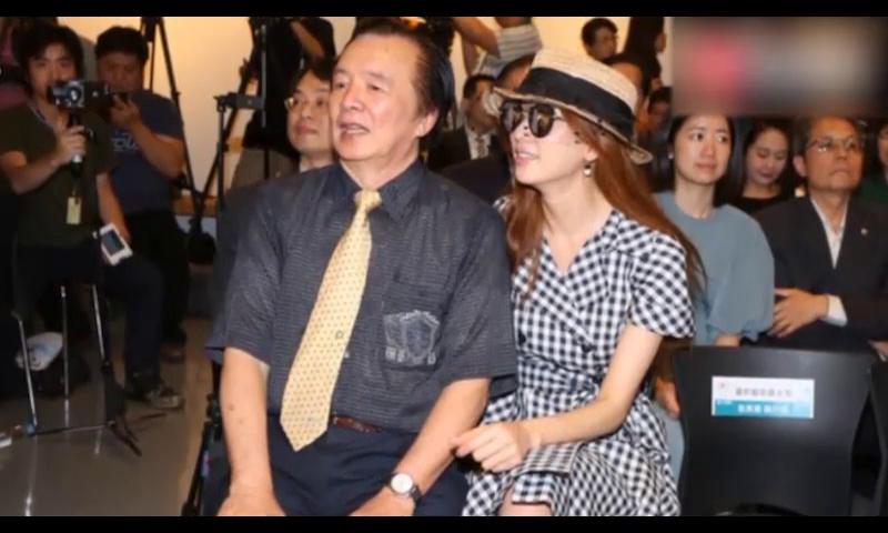 林志玲爸爸首谈女儿闪婚 狂赞女婿AKIRA人品好