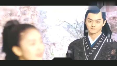 """《招摇》:前方高能!白鹿霸气""""吻""""撩许凯!"""