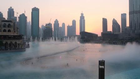 超级震撼的迪拜贸易中心音乐喷泉