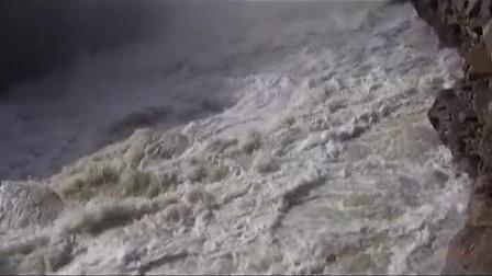 世界最大地下瀑布《壶口瀑布》