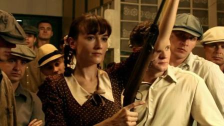俄罗斯女狙击手出门逛街,玩街头射击游戏,老板差点哭出来