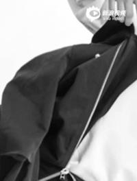 王俊凯登银十封面 N面自我风格展年轻魅力