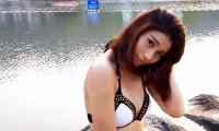 Lee小棠 身材娇小爆乳娘 半裸阳光浴