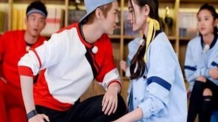 《跑男6》开播在即,邓超晒录制前第一张合照,关晓彤鹿晗大秀恩爱
