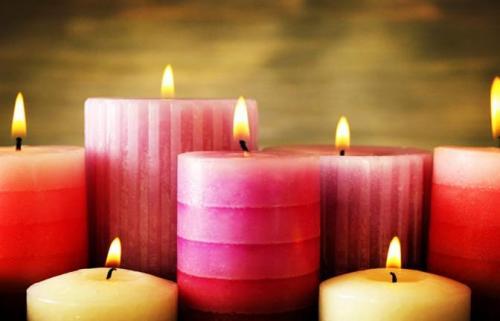 用蜡烛在瓷砖上擦一擦,真是太厉害了,解决了很多烦恼,实用