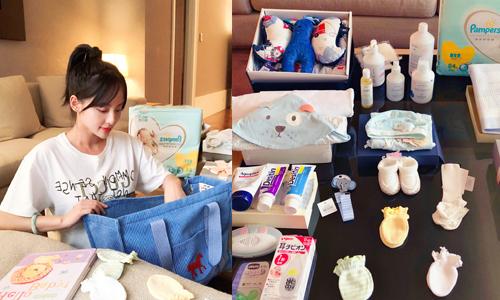 张嘉倪晒婴儿用品疑产期将至 网友预测二宝是小公主