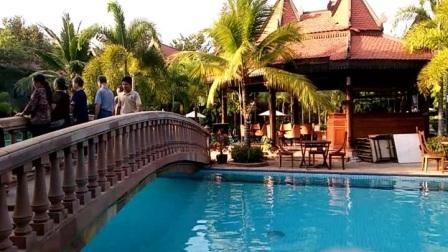 柬埔寨旅游下榻5星级酒店游泳池视频