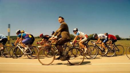 憨豆先生最经典一段,爆笑骑自行车,轻轻松松超越职业选手!