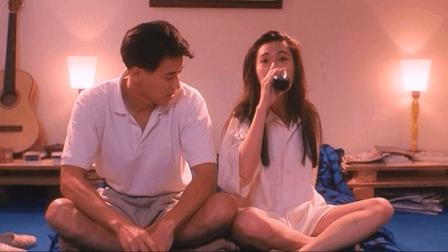 小伙好好的电视不看偏要跟李丽珍玩真心话大冒险。