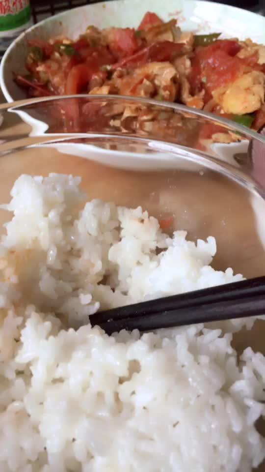 吃饭不规律。得胃病啦