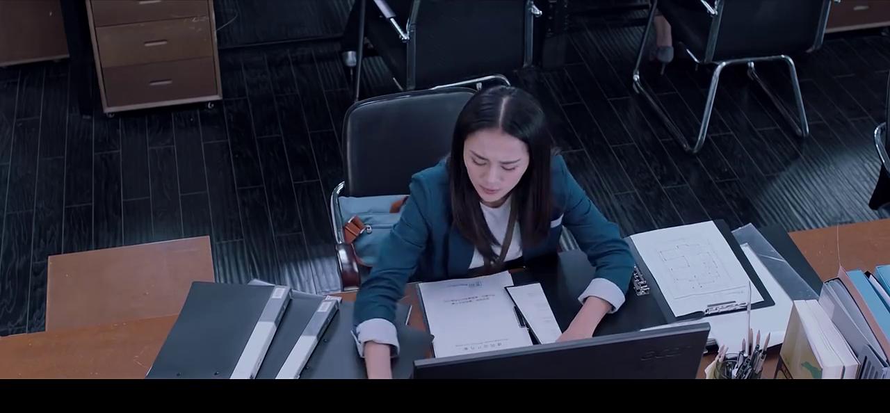 《镇魂街 第一季》-第1集精彩看点 夏铃生活霉运连连 两遇外卖曹焱兵