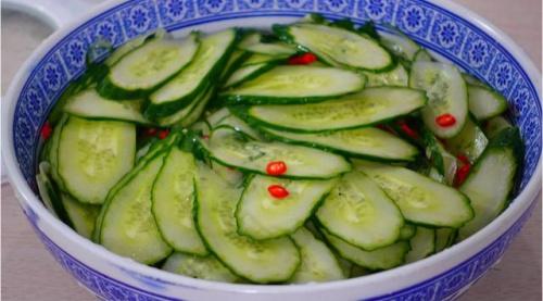 黄瓜的新吃法,不腌不拌不炒肉,酸甜开胃,好吃极了
