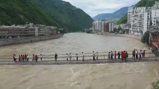 古代名桥一一四川泸定县的泸定桥