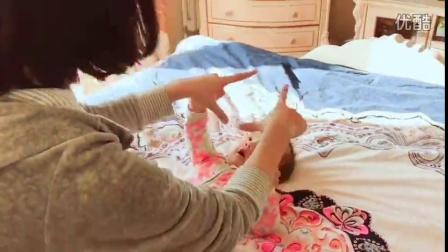 馒头妈美吉姆早教课学到的,分享给妈咪们??锻炼宝宝视觉追踪能力!听着音乐??妈妈和宝宝互动做小游戏,在玩