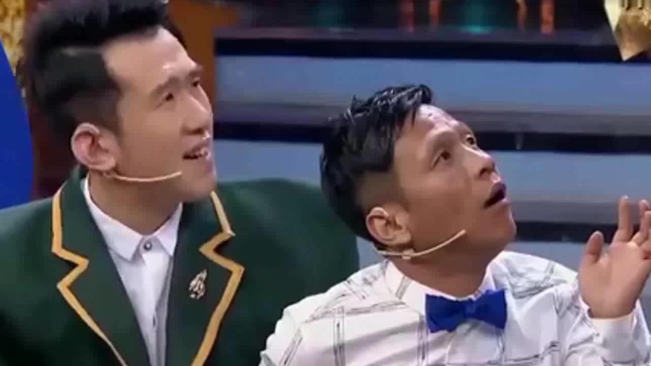 宋小宝即兴表演,引来场上阵阵欢笑,长在笑点上的人啊!