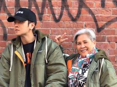 罗志祥为62岁母亲庆生 娇憨站姿引粉丝关注