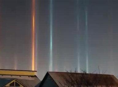 俄罗斯夜空现罕见奇景