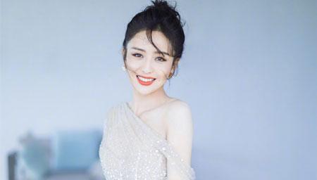 佟丽娅活动劝戴口罩引争议