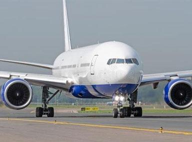 飞机紧急闪避白色光点向右倾斜引擎轰鸣