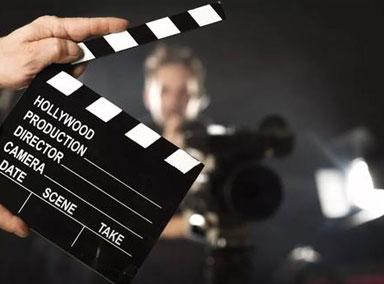 发改委:2月电影票房122.65亿元